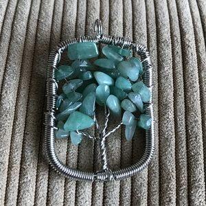 Jewelry - Jade tree of life pendant